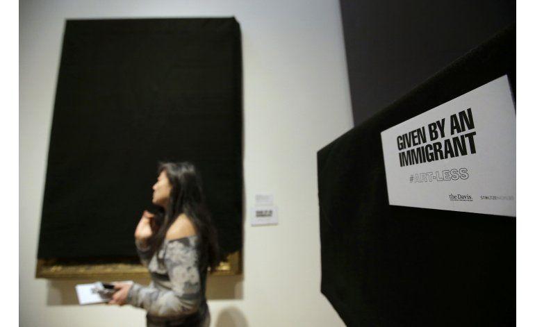 Museo retira piezas de arte de inmigrantes como protesta