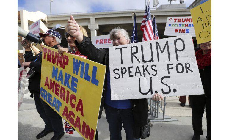 Trump busca versión modificada para restricción migratoria