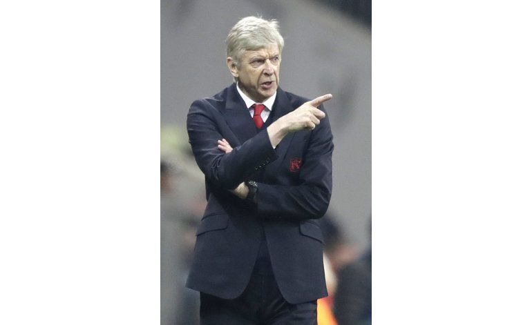 Wenger: seré técnico la campaña próxima, Arsenal o no