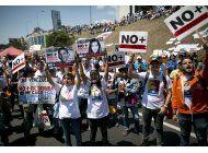opositores venezolanos marchan por leopoldo lopez