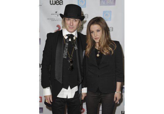 Lisa Marie Presley dice estar en bancarrota