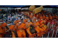 tailandia a la caza de monje acusado de desfalco