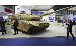 inicia exhibicion de armas en medio del conflicto con yemen