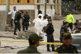 tres policias en cuidados intensivos tras atentado en bogota