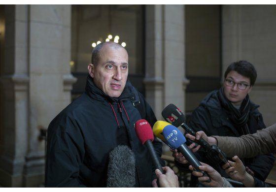 Spiderman es sentenciado por robo de arte en París