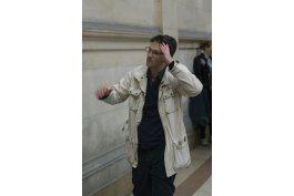spiderman es sentenciado por robo de arte en paris