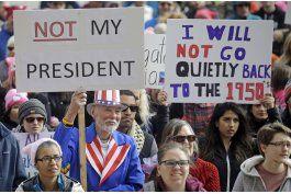 eeuu: miles protestan contra trump: no es mi presidente