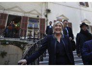 le pen se niega a usar velo en reunion con mufti de libano