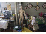 crisis economica impulsa un carnaval de bajo costo en rio