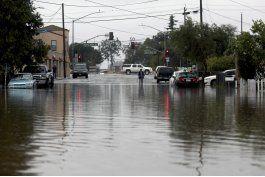 california: rescatan a mas de 200 personas por inundaciones