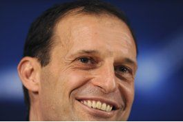 bonucci suspendido por un partido por incidente con allegri