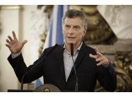 gobierno de macri defiende acuerdo con correo argentino