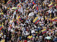 aumentan las protestas en ecuador por el retraso de los resultados electorales
