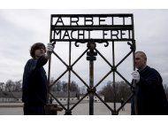 devuelven reja robada de campo de concentracion en alemania