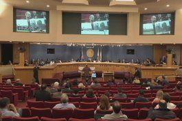 duenos de condominios presionan a funcionarios del condado miami dade