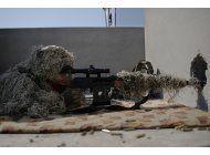 fuerzas iraquies entra a aeropuerto y base militar en mosul