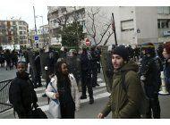 protestas en paris en escuelas contra la violencia policial