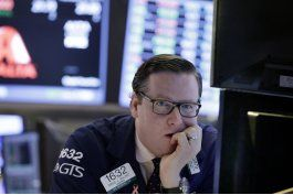 wall street sigue mixta y dentro de un margen pequeno