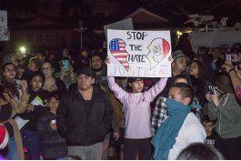 disputa de policia con ninos desata protesta en california