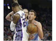 cauley-stein anota 29, kings vencen a nuggets por 116-100