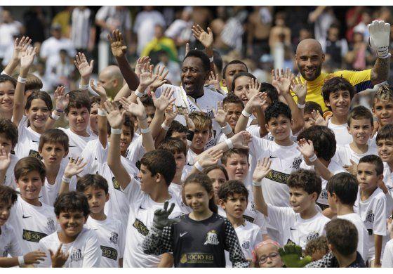 Corte ordena arresto de hijo de Pelé por narcotráfico