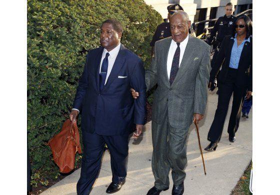 Juez: Una mujer más puede testificar contra Bill Cosby