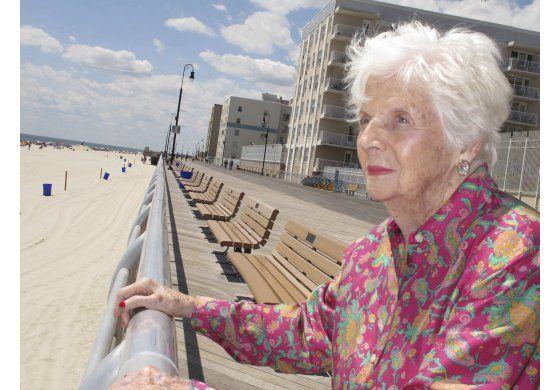 Fallece mujer que estuvo en incubadora hace 96 años