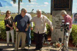 exilio cubano le rinde homenaje a las victimas del derribo de las avionetas de hermanos al rescate