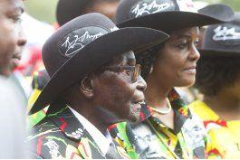 zimbabue: mugabe celebra su 93 cumpleanos en zona opositora
