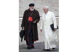 papa reduce discretamente las sanciones a curas pederastas