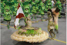 ap explica: quien compite y como se juzga el carnaval de rio