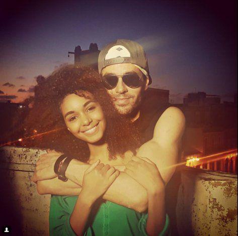 Conoce a la cubana Karina Valero, protagonista del videoclip Súbeme la radio