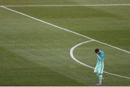 el madrid remonta en villarreal y responde al barcelona