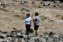 tres muertos y varios desaparecidos por aluviones en chile