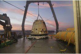 spacex llevara a dos personas a la luna el ano entrante