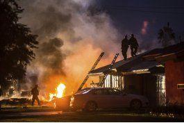 california: 4 muertos, 2 heridos en choque de pequeno avion