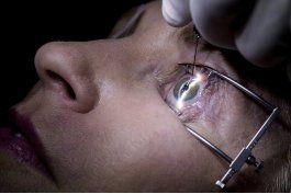 nuevo implante busca aliviar la vision borrosa