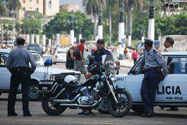 despliegue policial en la habana en respuesta a un paro de taxistas