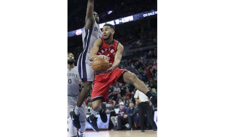 Con gran cierre, Raptors doblegan a Pistons
