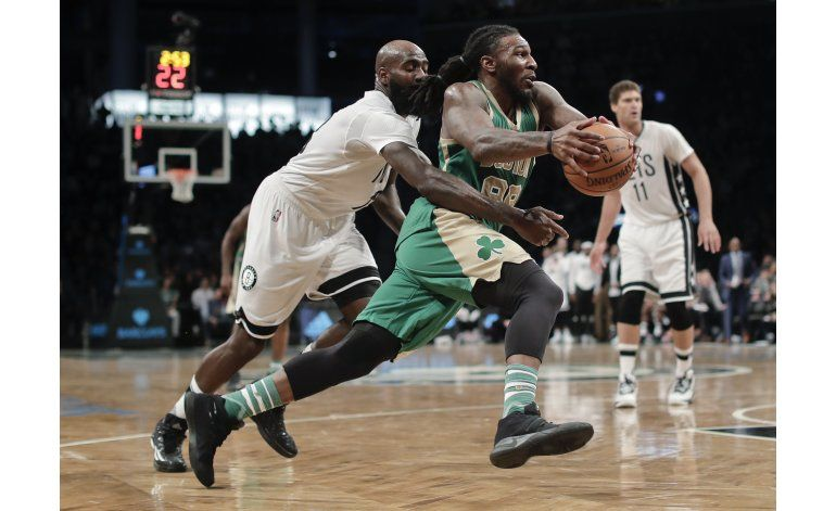 Con 24 de Crowder, Celtics superan a Knicks