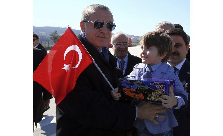 Turquía: Erdogan hace campaña en un día de conmemoración