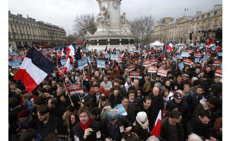 París: Candidato de extrema izquierda realiza acto electoral