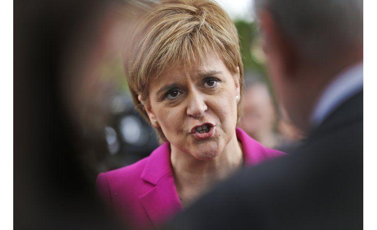 Expremier Brown pide a Escocia permanecer en el Reino Unido