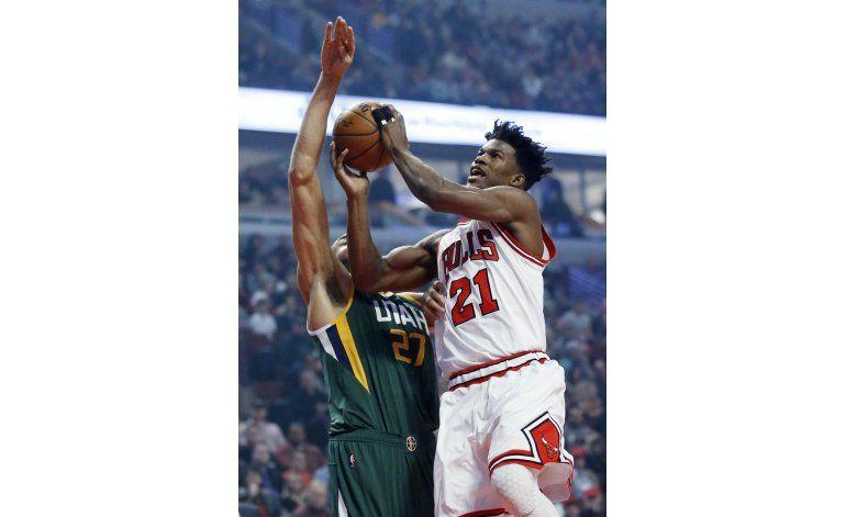 Con Butler y suplentes, Bulls vencen a Bulls