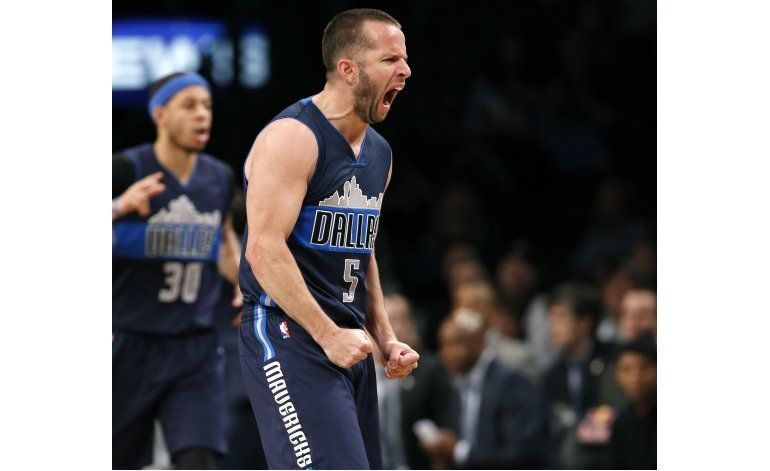 Barea se destaca en victoria de Mavericks en Brooklyn