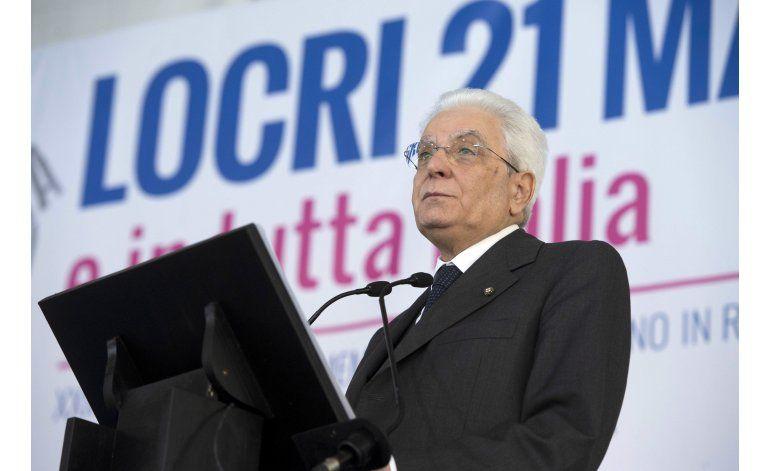 Presidente italiano rinde tributo a víctimas de la mafia