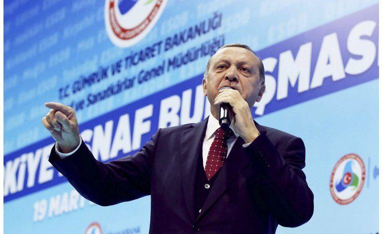 Oposición en Turquía critica campaña sobre referéndum