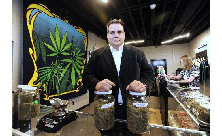 Legisladores de Massachusetts analizan ley sobre marihuana