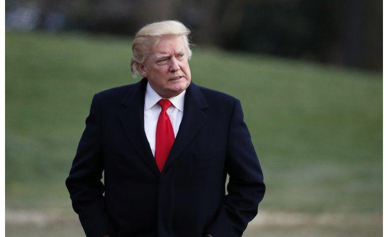 FBI confirma que investiga nexos entre Trump y Rusia