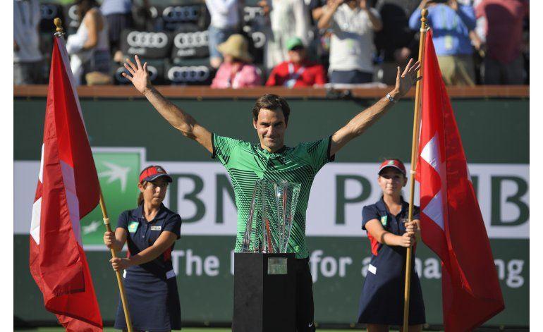 Federer intenta consolar a Wawrinka, se liga un insulto
